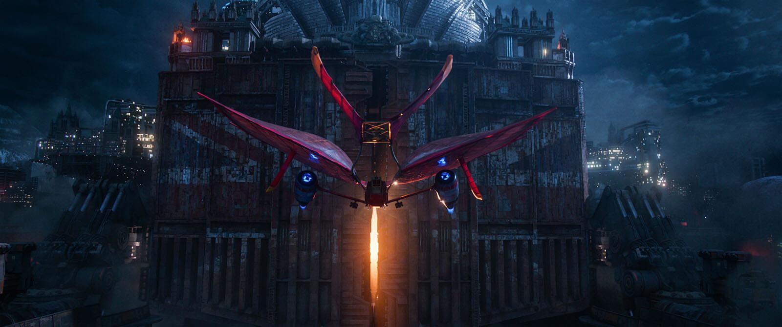 《移動城市:致命引擎》片中,視覺特效磅礡絢麗,但主角們起身對抗大鯊魚的勇氣也令人感服不已。