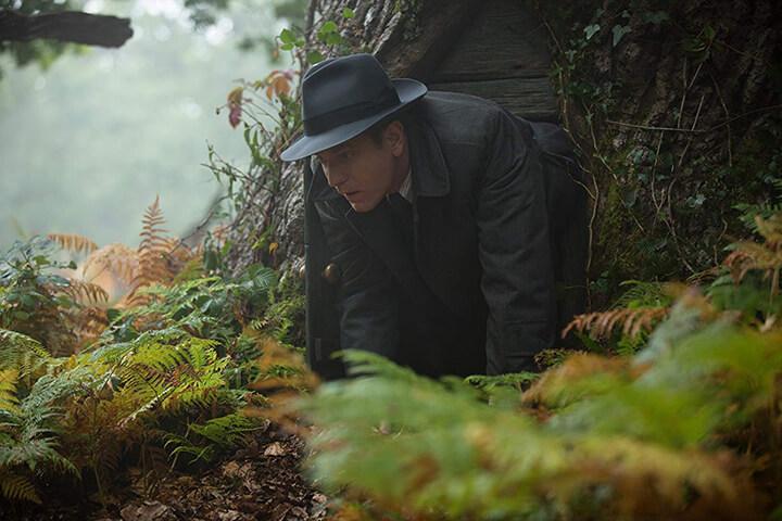 摯友維尼 影評 | 伊旺麥奎格 飾演長大的 克里斯多福羅賓 。