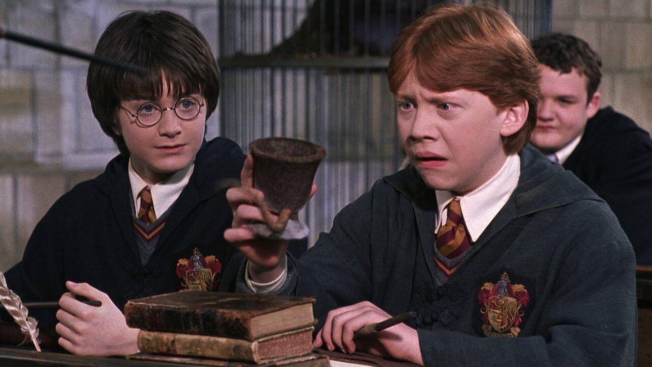 《哈利波特》官網證霍格華茲最初沒有廁所!?師生解決完靠魔法湮滅證據?首圖