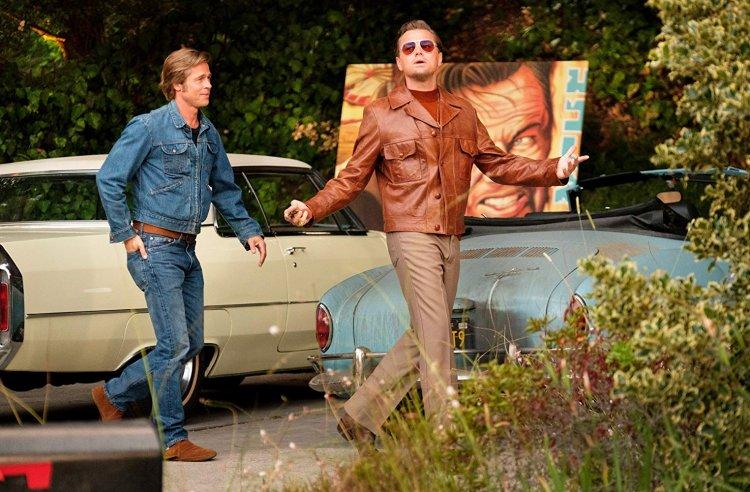 昆汀塔倫提諾導演作品《從前,有個好萊塢》由布萊德彼特、李奧納多狄卡皮歐等巨星卡司主演。