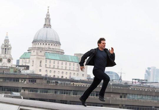 《不可能的任務 6:全面瓦解》劇照,奔跑中的阿湯哥。