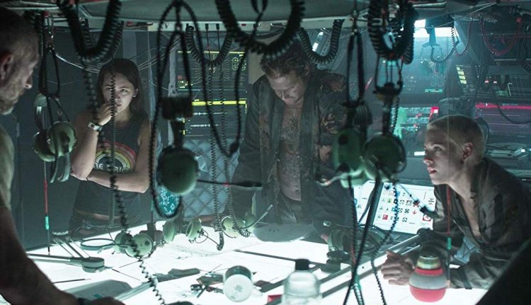 預計將於 2020 年初上映的深海災難片《深海終劫站》由潔西卡漢維克、克莉絲汀史都華、TJ 米勒與文森卡索等卡司共演。