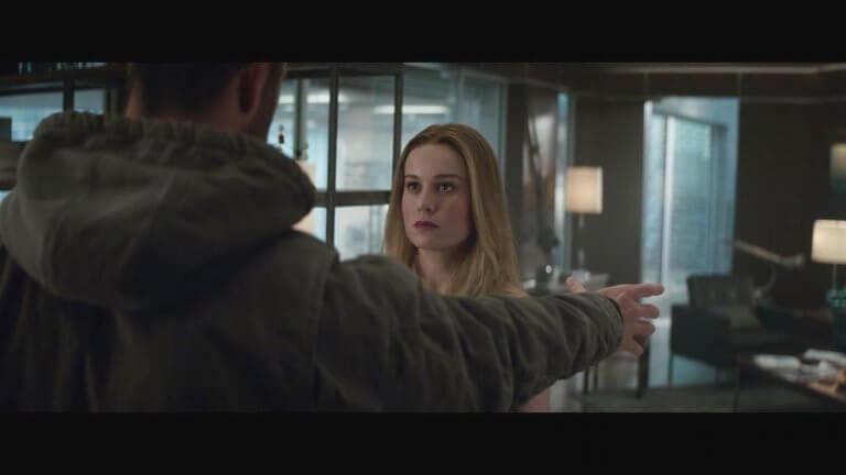 《復仇者聯盟:終局之戰》1 分鐘正片預告片段中,雷神索爾與卡蘿丹佛斯/驚奇隊長的互動片刻。