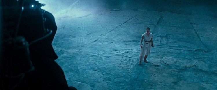 《STAR WARS:天行者的崛起》(Star Wars: The Rise of Skywalker) 發佈全新的最終電影預告,並出現疑似西斯大地白卜庭的身影及招牌笑聲。