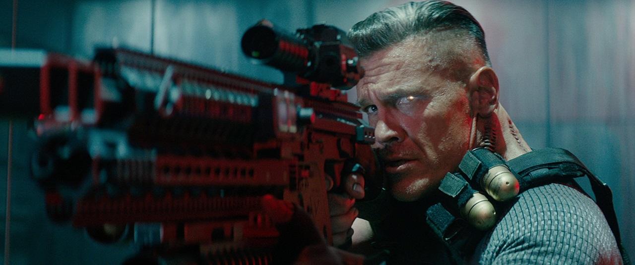 電影《 死侍2 》 一開始的 反派 機堡 後面立場大轉變