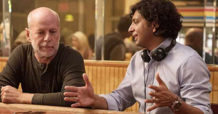 奈沙馬蘭 (M. Night Shyamalan) 和布鲁斯·威利斯 (Bruce Willis)