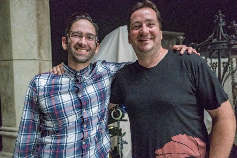 邁克爾查韋斯 (左)。