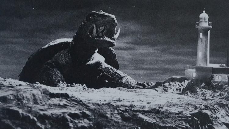 【專題】《大怪獸卡美拉》:從頭耗油到尾的飛天怪獸──與哥吉拉相似但全然不同的能力與災害形式首圖