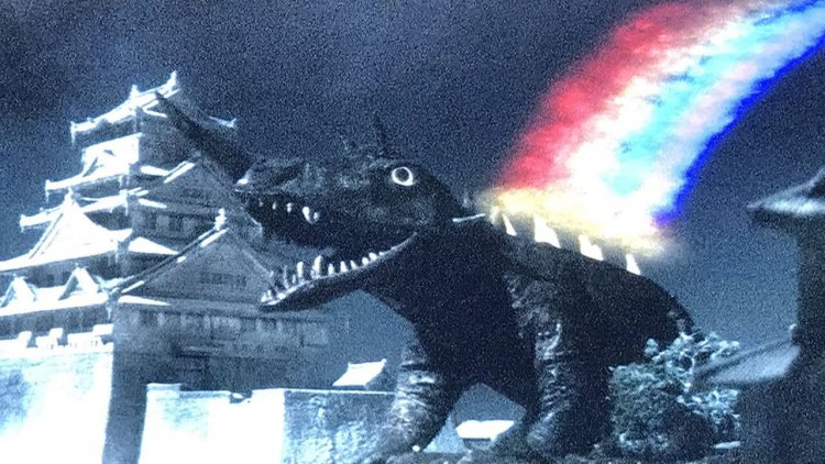 【專題】昭和卡美拉《大怪獸決鬥 卡美拉對巴魯剛》(下):地底龍是你?成本失衡的暴力卡美拉電影首圖