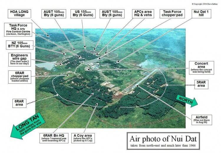 土山地區的空拍圖,龍潭地區在土山的東南方約 5 公里處。圖中可以看到舉辦勞軍演唱會的地點 圖片來源:https://battleoflongtan.com/maps-battle-long-tan-nui-dat/
