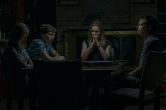 《黑錢勝地》影集第二季在艾美獎榮獲「最佳導演獎」、「最佳女配角獎」