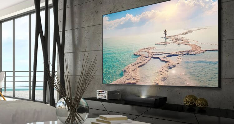 讓家用投影機輕鬆把家變成電影院:Optoma P1 智慧 4K 雷射超短焦家庭劇院。