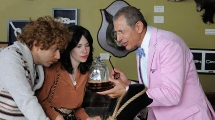 傑夫高布倫於 2011 年起開播的電視影集《波特蘭迪亞》演出的劇照。