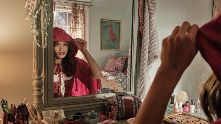 Netflix 喜劇電影《萬聖節救星修比》派瑞絲貝瑞克 (Paris Berelc) 。