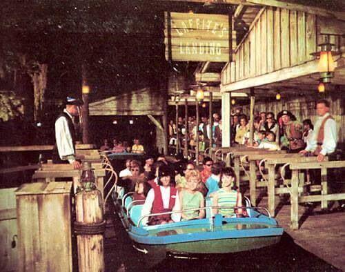 迪士尼樂園 1967 年遊樂設施「加勒比海盜」。