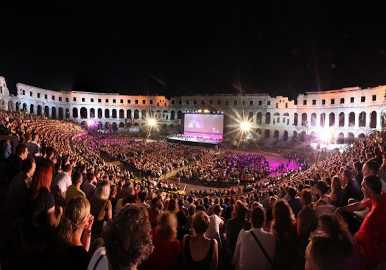 克羅埃西亞的普拉競技場電影節 (Pula Film Festival)。
