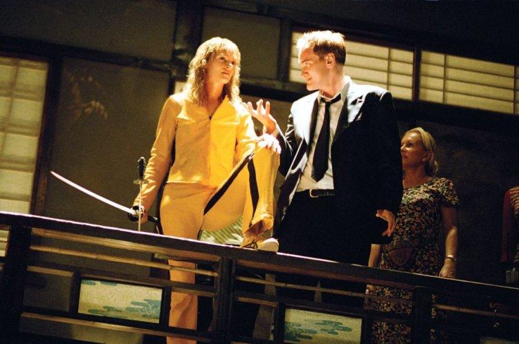 電影《追殺比爾》拍攝現場的女主角烏瑪舒曼 (Uma Thurman) 和導演昆汀塔倫提諾 (Quentin Tarantino)。