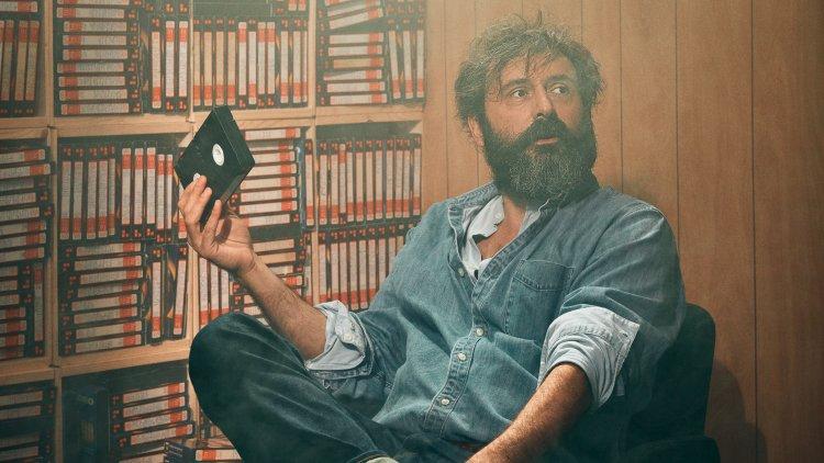 法藉導演昆汀杜皮爾 (Quentin Dupieux) 新作《鹿皮奇談》(Deerskin) 在各大國際影展好評連連。