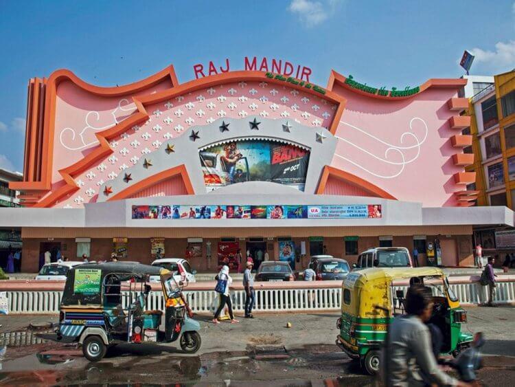Raj Mandir Cinema 盡情感受寶萊塢魅力。