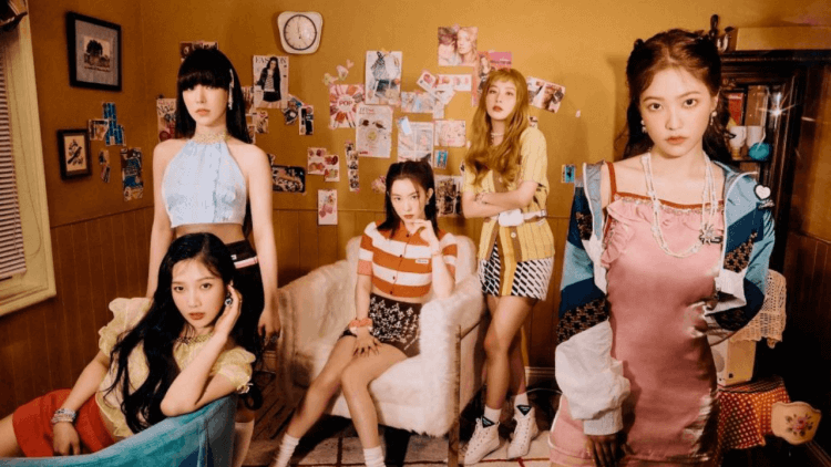 Red Velvet 回歸話題不斷:ELLE Instagram因沒上傳Red Velvet Irene的個人照片引爭議,JOY和CRUSH戀愛公開!首圖