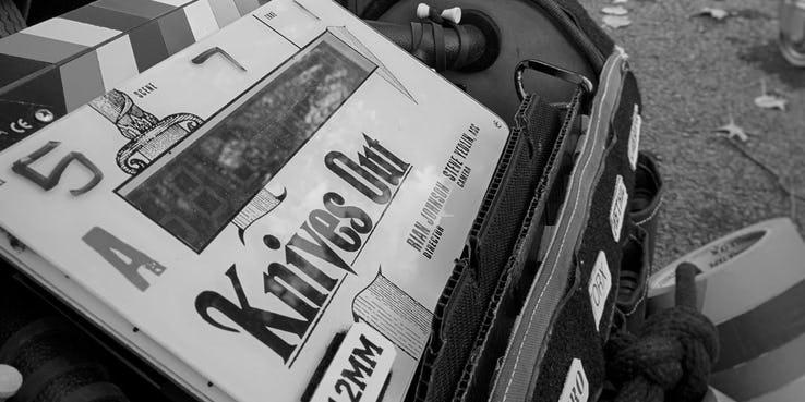 導演-雷恩強生-在《STAR WARS:最後的絕地武士》之後也再度展開了自己原創電影計畫。而他的下一部作品《Knives Out》目前也在製作中。