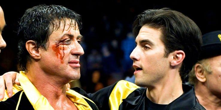 《金牌拳手 2:父仇》延續先前洛基系列一貫的故事與精神,圖為《洛基:勇者無懼》劇照。