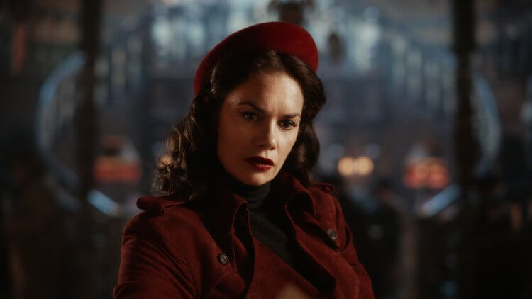 《黑暗元素》露絲威爾森。