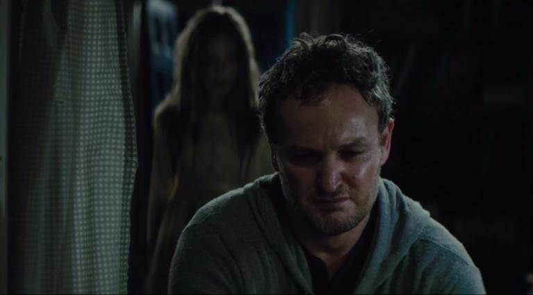 《禁入墳場》(Pet Sematary) 裡由傑森克拉克 (Jason Clarke) 飾演主角路易斯克里德 (Louis Creed)。