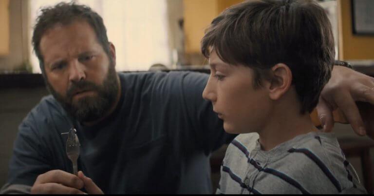 《靈異乍現》為英雄片帶來充滿詭譎不安的全新氛圍──