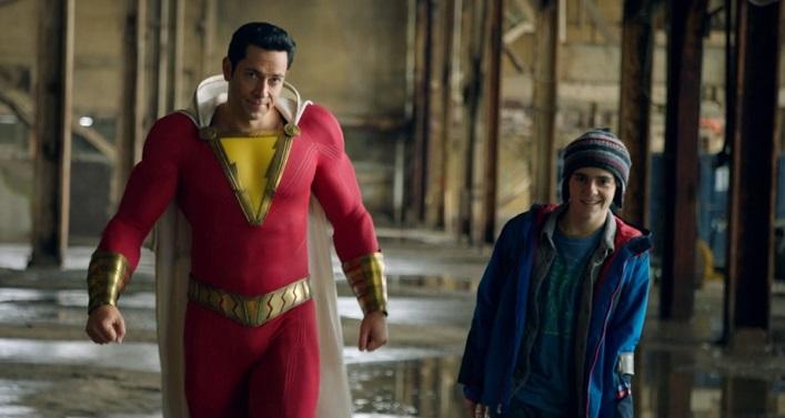 《沙贊!》外表看似大人內心卻仍是小孩的超級英雄,與他的好麻吉。