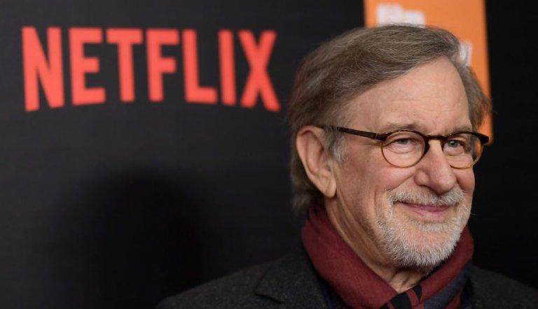 電影的傳統與奧斯卡的盛名之下,曾合作愉快的大導演史蒂芬史匹柏與串流影音大平台網飛 Netflix 為何越走越遠?