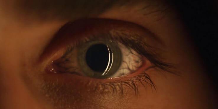 影集《怪奇物語》第 3 季預告畫面彩蛋解析:眼睛的異樣。