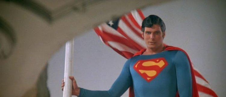 1980 年代上映的《超人 2》系列也是山姆雷米版《蜘蛛人 2》的靈感來源。