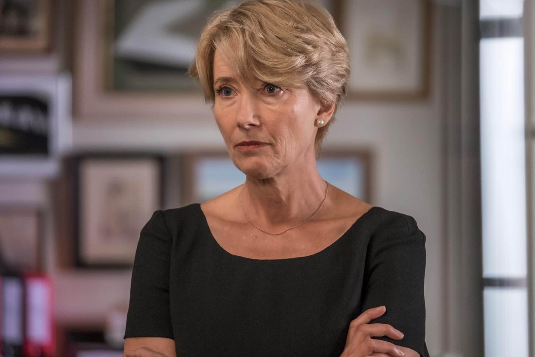 「 魔法保母 」奧斯卡影后 艾瑪湯普遜 在《 判決 》飾演公私皆需做出困難抉擇的聰慧法官。