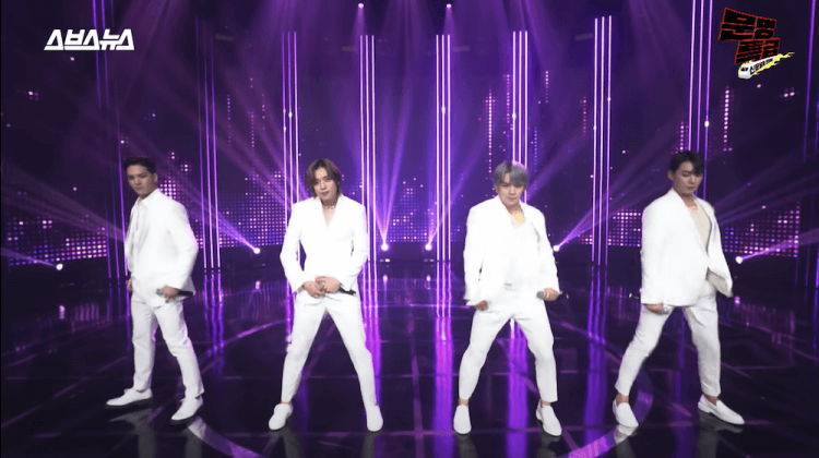 TEEN TOP 在文明特急中表演〈不要噴香水〉