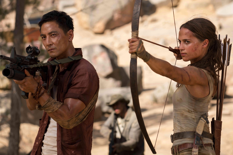 古墓奇兵 Tomb Raider 艾莉西亞薇坎德 蘿拉 吳彥祖
