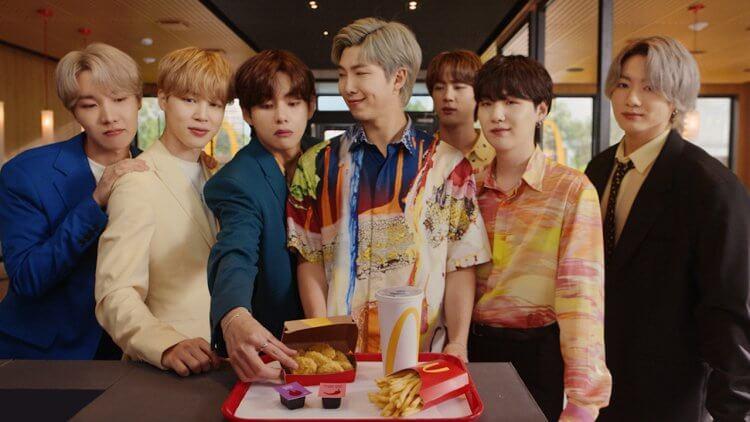 專屬的 BTS 味道 ,台灣這天開賣! 超強聯名防彈少年團 BTS x McDonald's餐點、周邊齊報到首圖