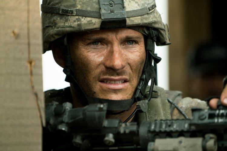 HBO 5 月電影推薦:《72 小時前哨救援》電影劇照。