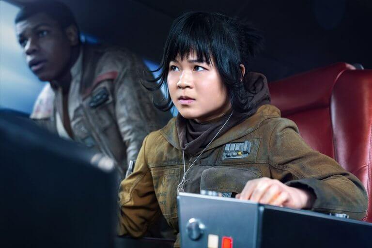 部分粉絲因對《STAR WARS:最後的絕地武士》不滿,轉而攻擊飾演新角色「蘿絲提可」的演員-凱莉瑪麗德蘭