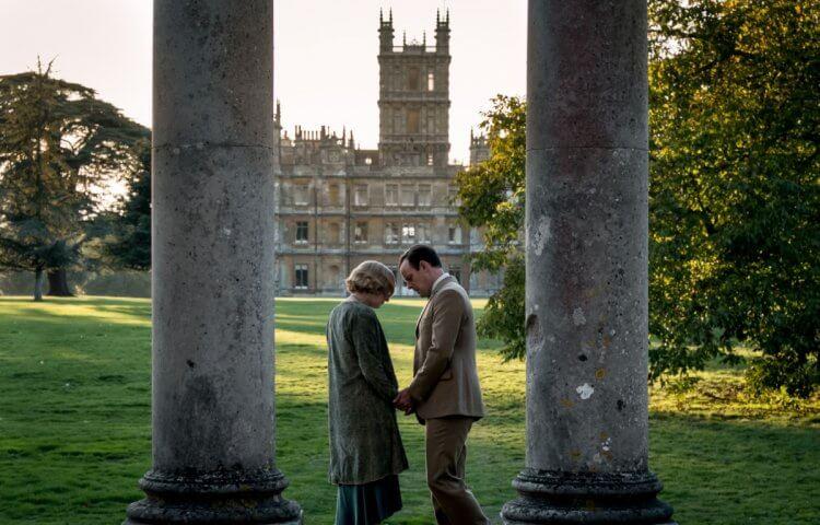 以英國貴族生活為主軸的系列影集《唐頓莊園》中所取景的城堡,也是粉絲朝聖的熱門景點。