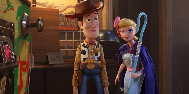《玩具總動員 4》(Toy Story 4) 提基派對彈珠台。