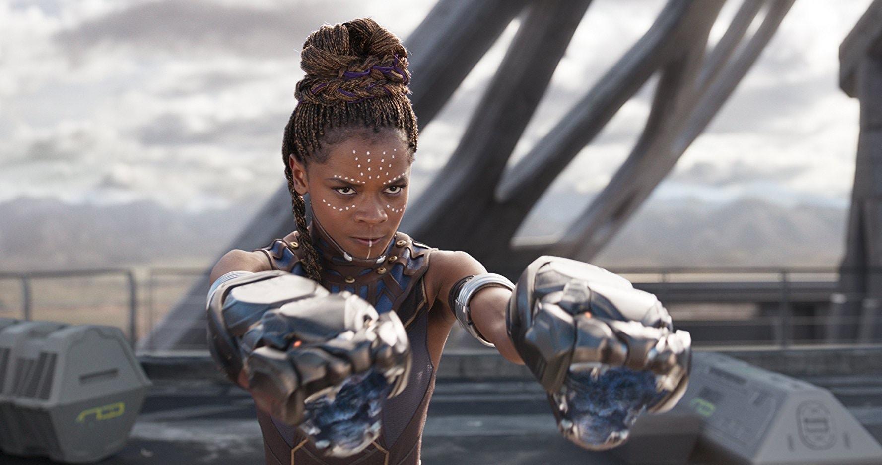 漫威電影宇宙中最強大的科學家與發明家:《黑豹》中的舒莉。
