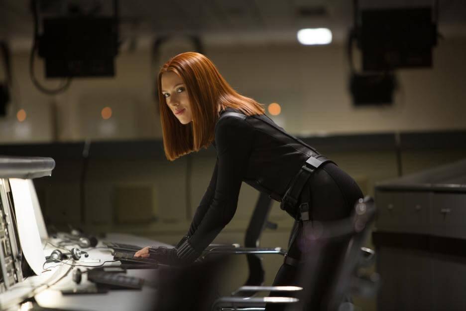 由史嘉蕾喬韓森飾演的「黑寡婦」於《美國隊長 2:酷寒戰士》中的造型。