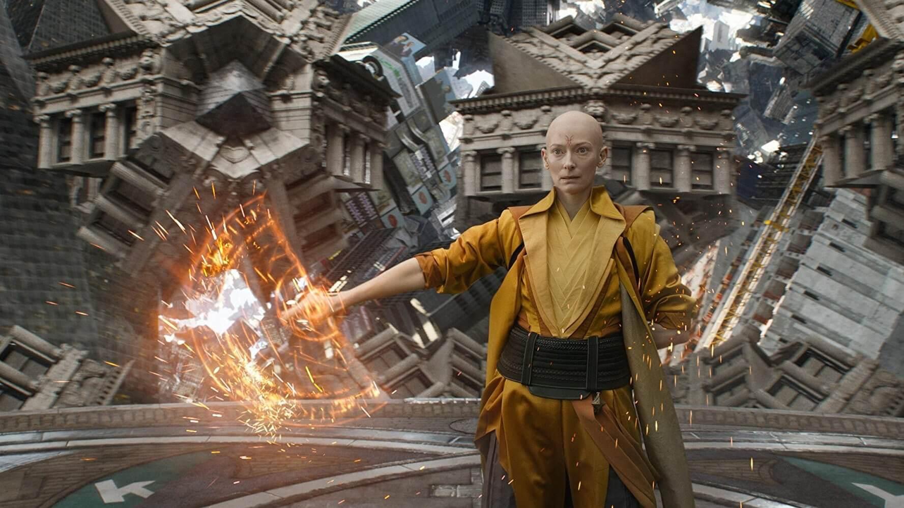 2016 年《奇異博士》中,由蒂達史雲頓飾演的「古一大師」。