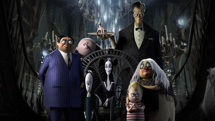 誰能比我們古怪?集怪咖於一家的《阿達一族》(The Addams Family) 新預告釋出!首圖