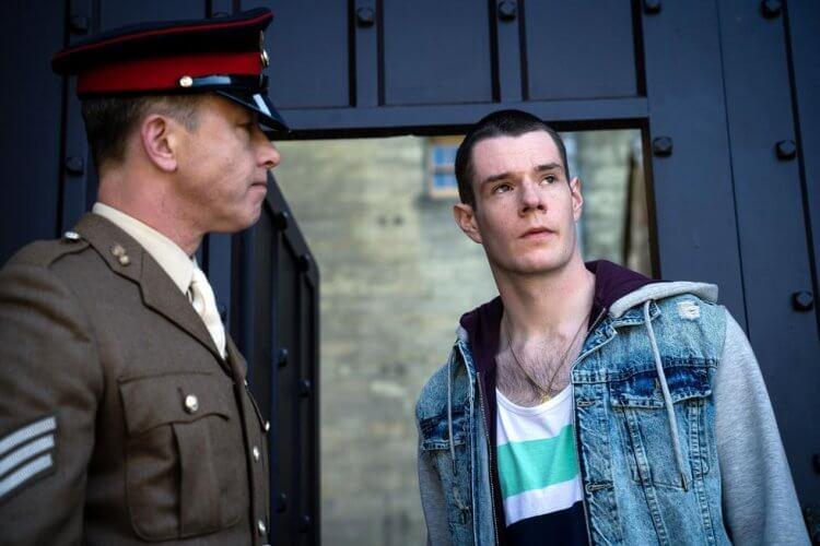 圍繞在性事上的 Netflix 青春喜劇《性愛自修室》第二季中,亞當被送進軍校?他和男主角與昔日同窗們還會有故事發展嗎?