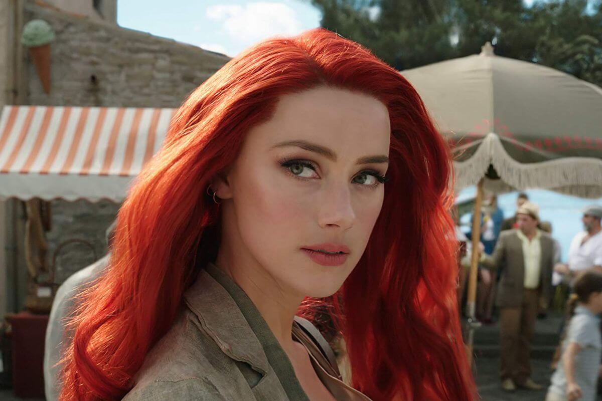 飾演《水行俠》梅拉 (Mera) 的女星:安柏赫德因片榮登新一代性感女神。