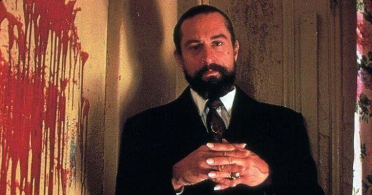 勞勃狄尼洛在《天使心》中扮演神秘法國人路易斯賽佛。