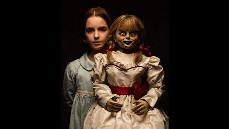 【專題】那些恐怖電影教我們的事:美型又勤奮,鬼娃天后安娜貝爾是我們的學習好榜樣!首圖
