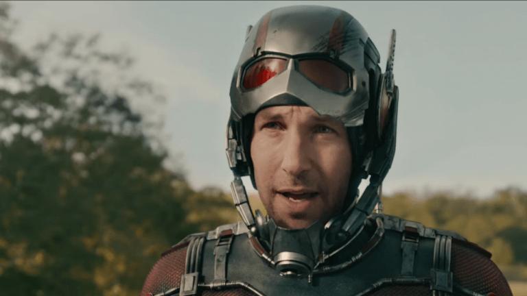 在漫威超級英雄電影《復仇者聯盟》系列中飾演蟻人 (Ant-Man) 的影星:保羅路德。